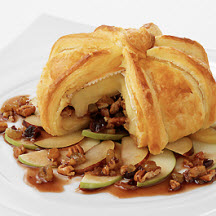 Baked Brie in Puff Pastry California-style