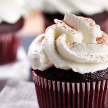 Heavenly Bliss Cupcakes with Sweetened Whipped Cream Frosting