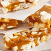 White Chip and Macadamia Toffee Crunch