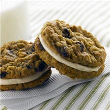 Oatmeal Raisin Whoopie Pies